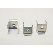 Stanzteile Drahtanschlussklemme mit durchbohrtem Stahleinsatz