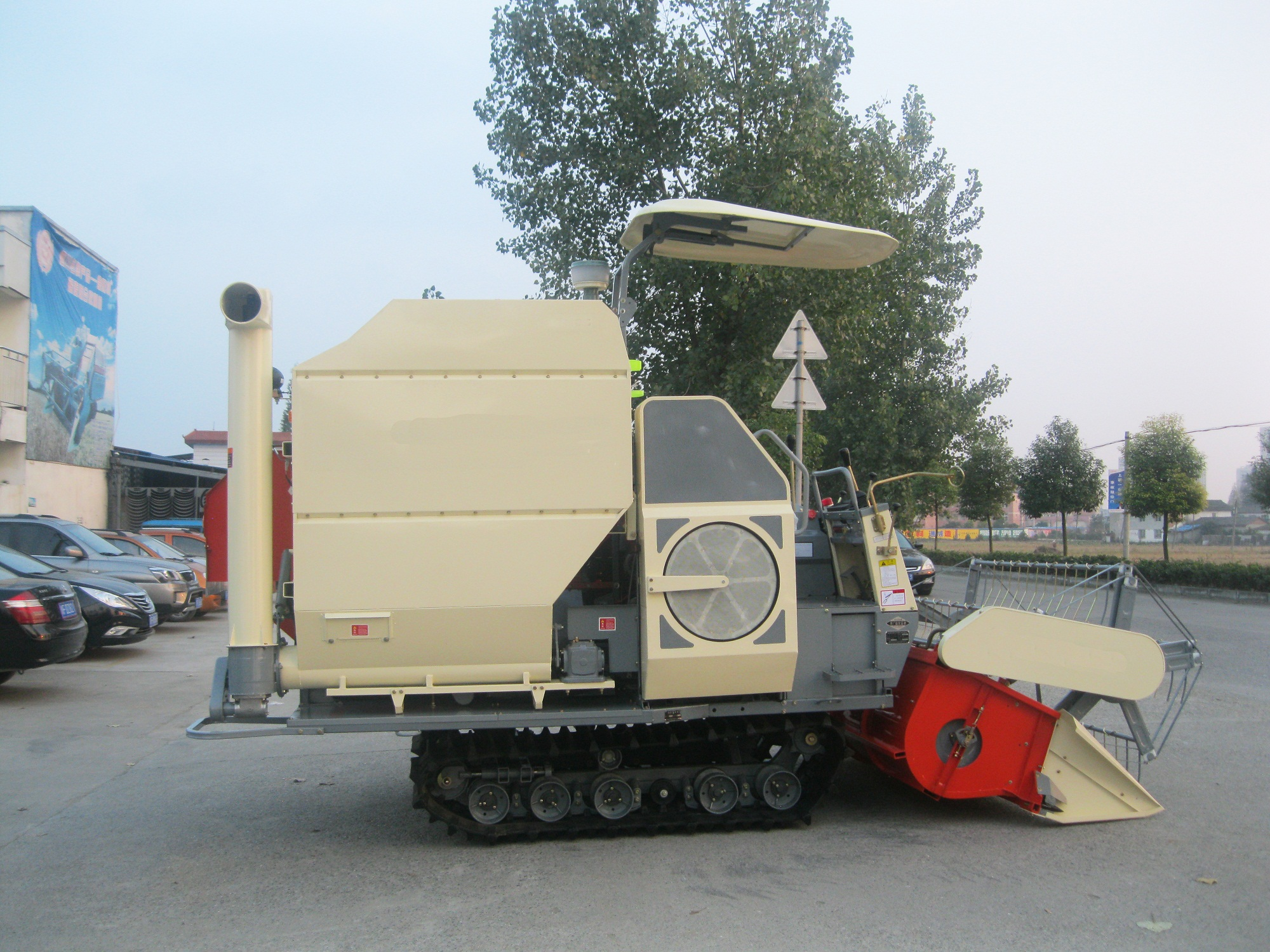 Hot Selling 3.0kg/s Combine Harvester