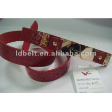 Crocodile-embossed PU belt with Gold plating alloy strip decoration