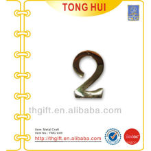 Logotipo / encanto / decoración del metal de la forma de la letra 2 de encargo