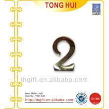 Custom Letter 2 logo en forme de métal / charme / décoration