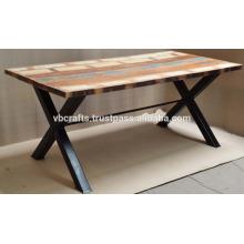 Recycling-Tisch aus Holz