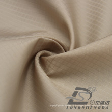 Water & Wind-Resistant Sportswear ao ar livre Down Jacket Woven Waffle Plaid Jacquard 100% Filamento Tecido de poliéster (53109)