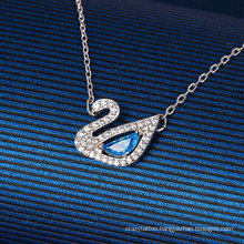 European American Fashion Jewel Jewelry Blue Diamond Swan Necklace Austria Exquisite Charming White Gold Clavicle Chain Valentine′s Day Gift Necklace for Women