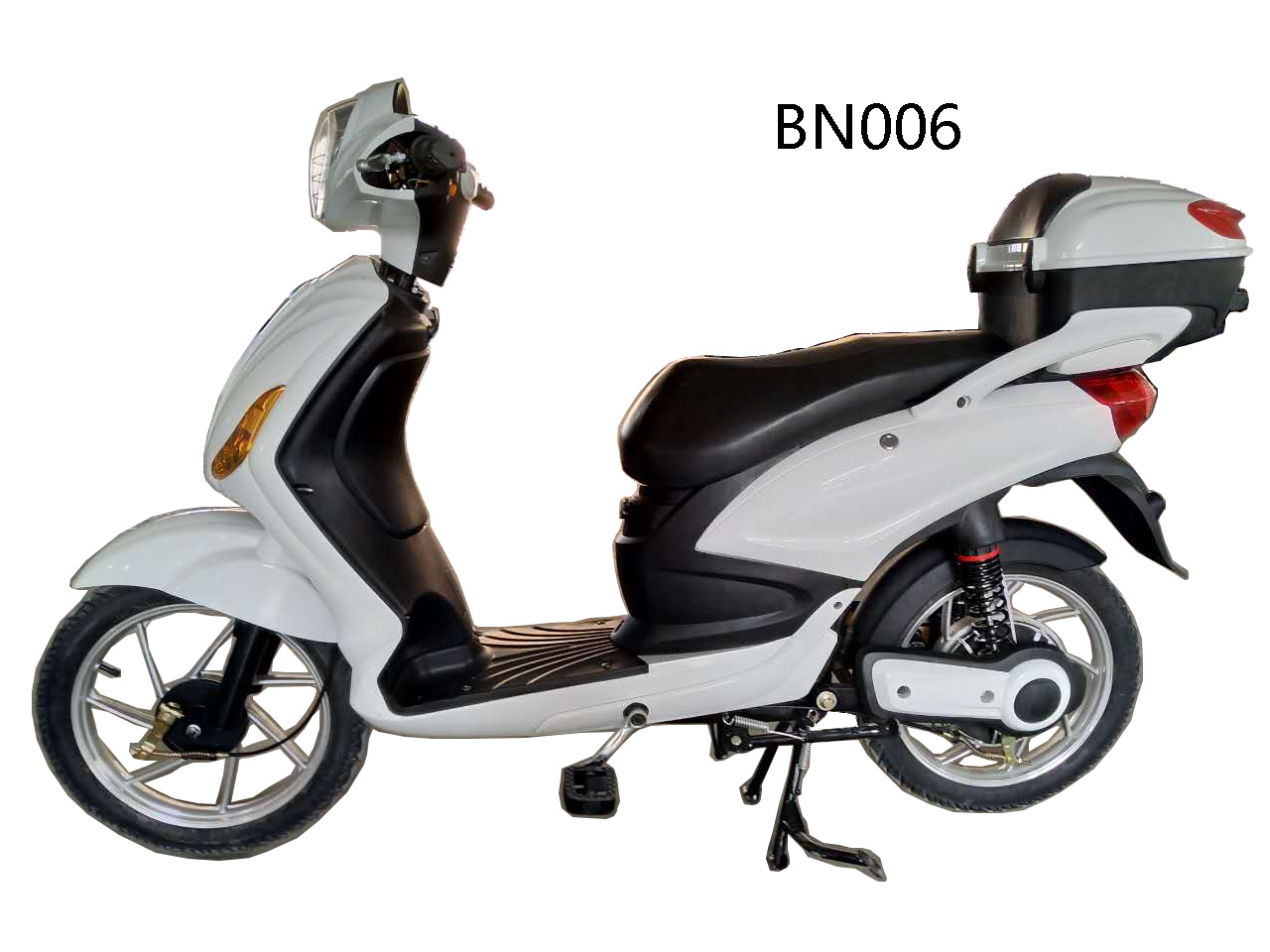New white fashion riding electric bicycle