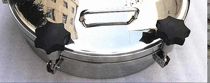 Round pressure manhole