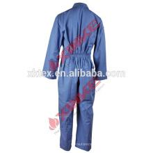 Funktionelles Kleidungsstück aus flammhemmendem Funktionsmaterial aus Baumwolle und Nylon