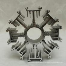 Évier en aluminium adapté aux besoins du client d'extrusion de forme