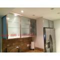 Portas de gabinete de cozinha em vidro fosco (personalizadas)