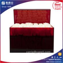Caixa de acrílico preto e vermelho de 36 rosas