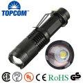 T6 LED pequeno bolso tocha luz tático Zoomable lanterna LED com clipe