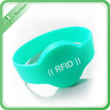 Cheap Custom Silicon Wristband with RFID for Promotion Items