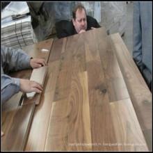 Plancher de bois franc massif américain en noyer