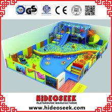 Équipement de terrain de jeu intérieur avec thème bébé