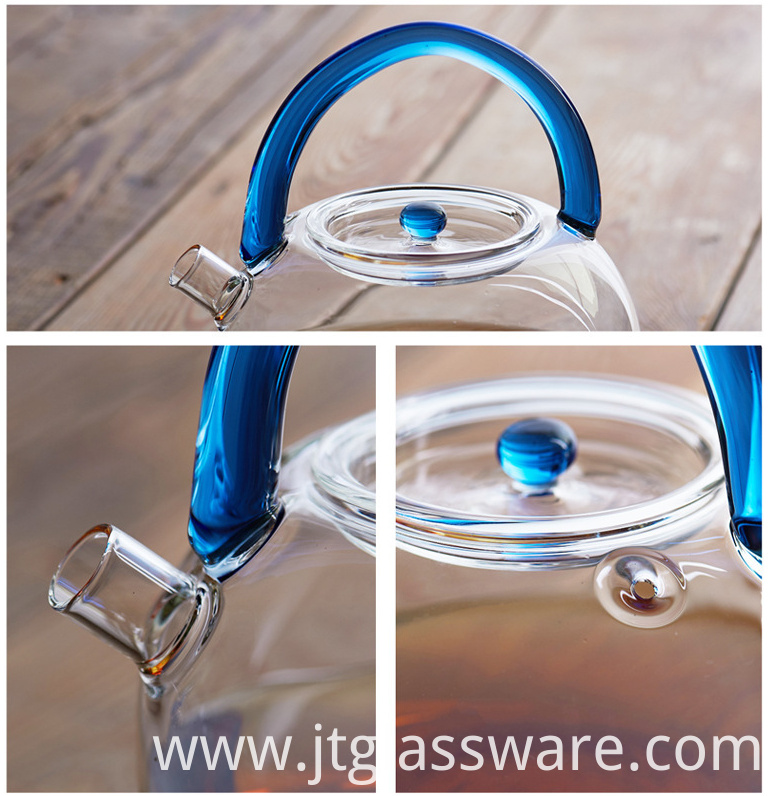 glass teapot to boiling water