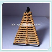 Прекрасный треугольник Ротанговый занавес с занавесом