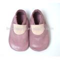 Обувь для девочек с новой детской одеждой для новорожденных