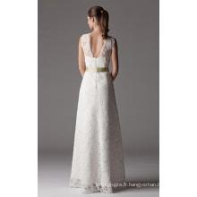 Robe de mariée en dentelle avec col en V et col en V