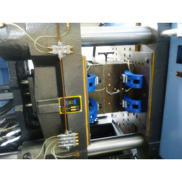 Machine de moulage par injection à 70 tonnes Bakelite