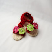 Crochet baby shoes  with pink and green flowers