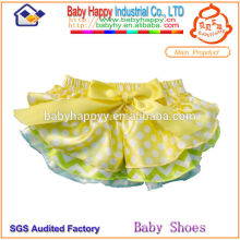 High quality cheap price ruffled baby bloomer
