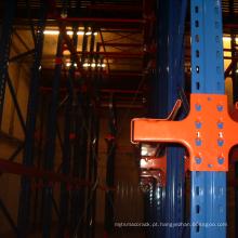 Unidade de armazenamento first-in-last-out no racking de armazenamento