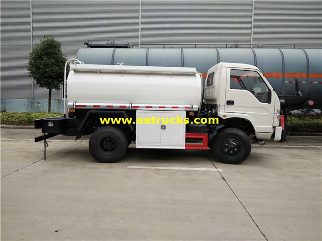 4x2 5 CBM Oil Tank Trucks