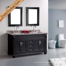 Vanidad clásica del cuarto de baño con los fregaderos dobles
