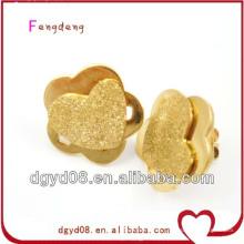 Pendientes de acero inoxidable con forma de flor y corazón