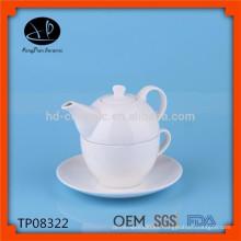 Tradicional taza moderna y platillo, gracia té mercancías, tetera y taza, olla de té de cerámica con taza