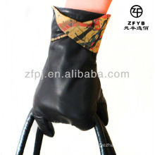 2012 newest Oil painting type wholesale leather glove