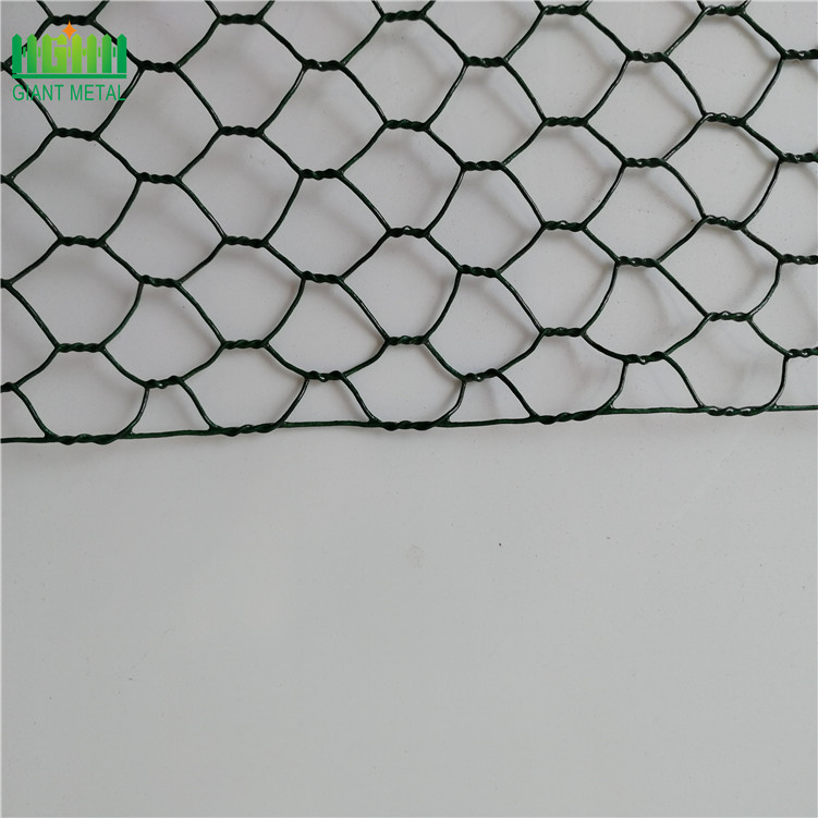 Galvanized+chicken+wire+mesh+fence