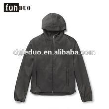 Chaqueta con capucha de manga larga de la chaqueta de la chaqueta de la chaqueta de la chaqueta de la cáscara de Shell de los hombres negros