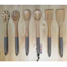 Beech wood kitchen utensil set with sillicon handle