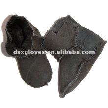 Zapatos personalizados del invierno del bebé con la cinta mágica