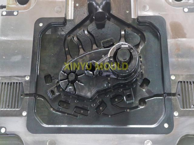 automobile crank case die