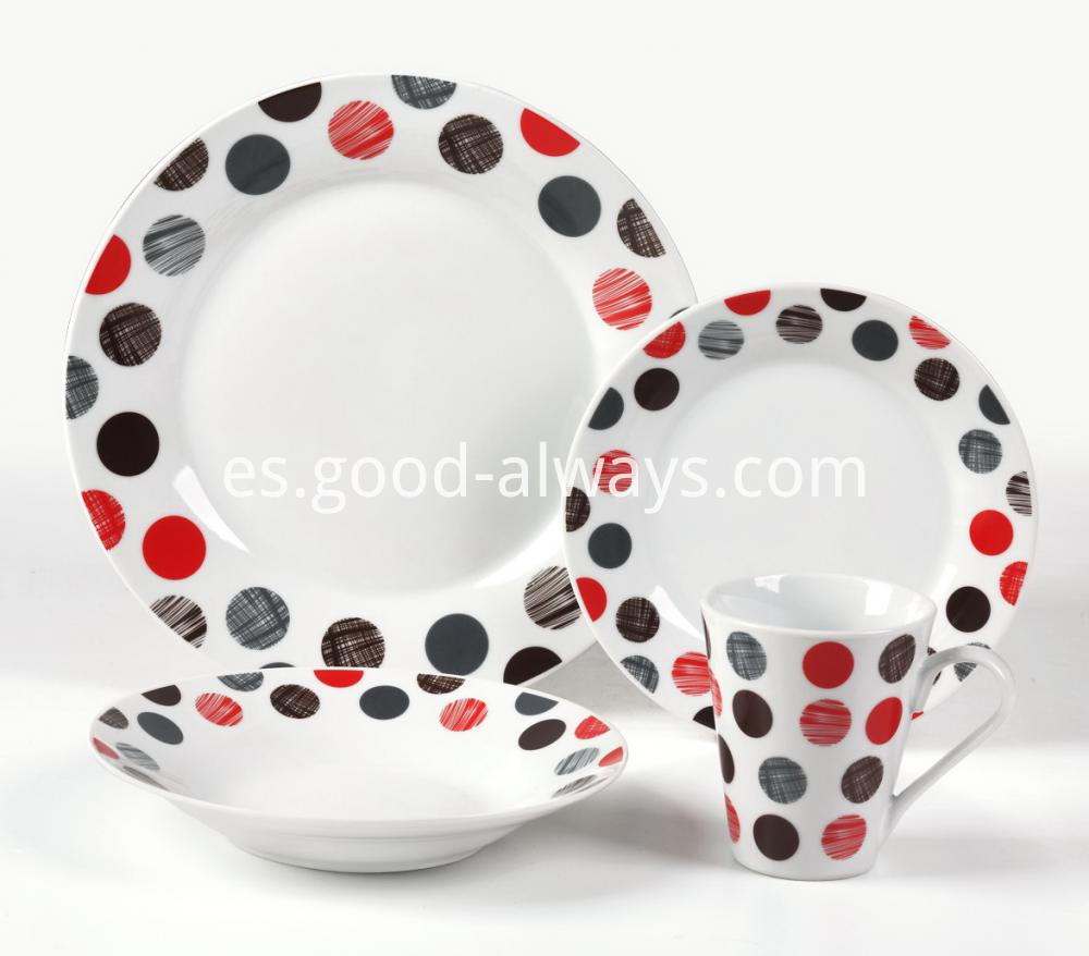 Porcelain dinne set 8