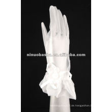 Appliqued Beaded Handschuhe