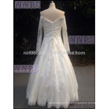 2015A Linie Kappen-langes Hülsen-Spitze-Hochzeits-Kleid mit dem Bördeln von Appliques-weißen Brautkleid