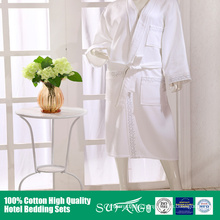 100% cotton Fancy wholesale hotel white bathrobe