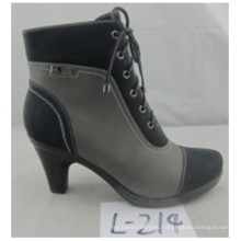 Classic Designs Chuncky Heel Leather Sexy Boots for Ladies (S 24-8)