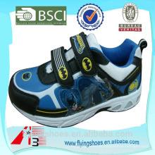 2015 zapatos de los deportes de los nuevos niños del diseño héroe al por mayor