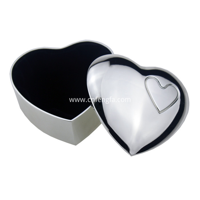 Zinc Alloy Heart Shaped Jewelry Box