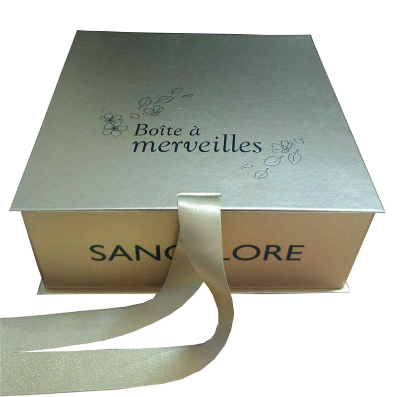 Top quality garment paper clothing box with ribbon