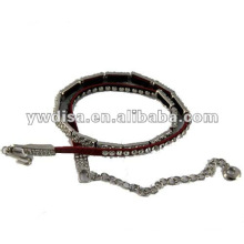 Cinturón de cuero rojo de cintas estrechas