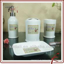 Cuarto de baño de cerámica cuatro E022