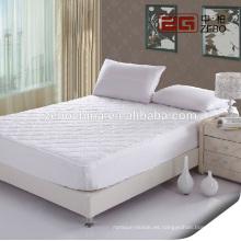 100% poliéster Diferentes acolchados forma precio barato impermeable colchón protector