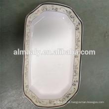 prato de porcelana branca retangular