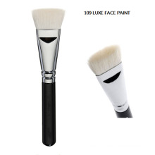 Белая кисточка для контурной краски для лица Luxe (F109)