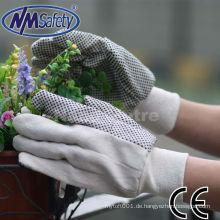 NMSAFETY weißer Baumwoll-Bohrhandschuh mit schwarzen PVC-Punkten auf der Handfläche